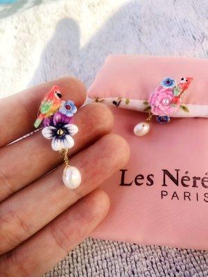 Les Nereides Ohrringe: süße Papagei Stecker Tropical Naturperlen