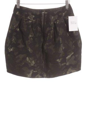 Les petites parisiennes Minirock Camouflagemuster Street-Fashion-Look