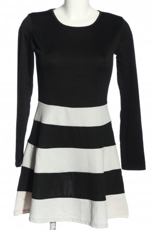 Lesara Langarmkleid schwarz-weiß Streifenmuster Casual-Look