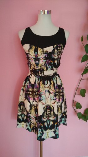 *Letzter Preis* Buntes Kleid mit Sidecuts (Box 4)