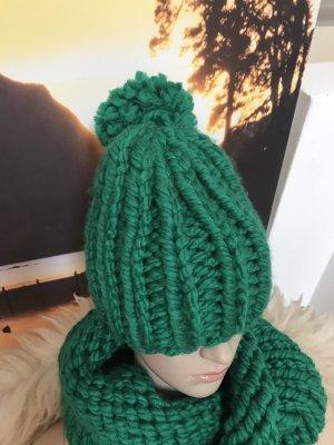 Handmade Cappello con pon pon verde-verde bosco Acrilico