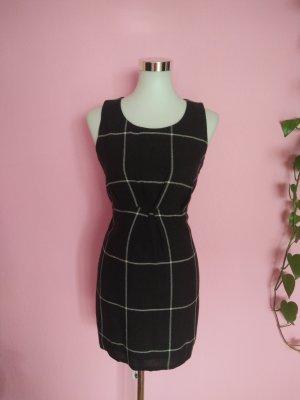 *Letzter Preis* Kariertes Kleid in schwarz/weiß (Box 3)