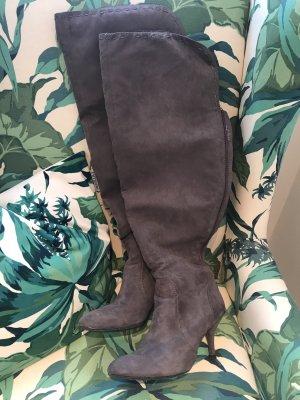 Schöne Overknee-Stiefel * graubraun * aus textilem Material