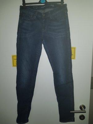 Levi's Jeans Slight Curve