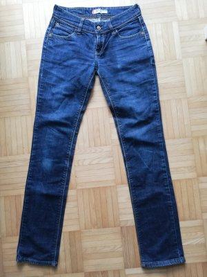 Levi s Levis Damen Jeans W 29 slim fit 571 Jeanshose blau zu Sneaker Shirt und Jacke