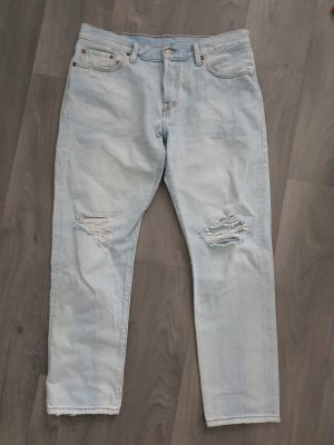 Levis 501 Cropped Jeans ripped