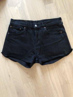 Levis 501 schwarze Jeansshorts W32/ L32