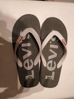 Levi's Tong kaki