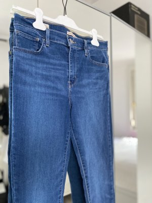 LEVIS JEANS 720 high rise super skinny 28