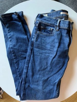 Levis Jeans blau Größe 28 super skinny wie Neu