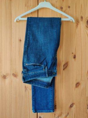 Levis Jeans dunkelblau W28L34