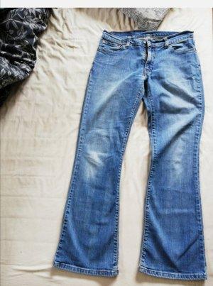 Levis Jeans leichte Schlaghose gr 28/30