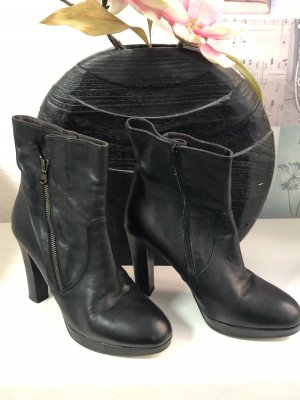 Liebeskind Zipper Booties black