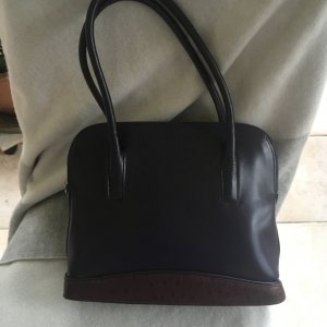 Lila 2021 .....Elegante Tasche aus Leder