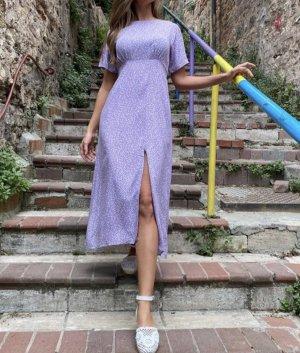 Lila blümchen Kleid