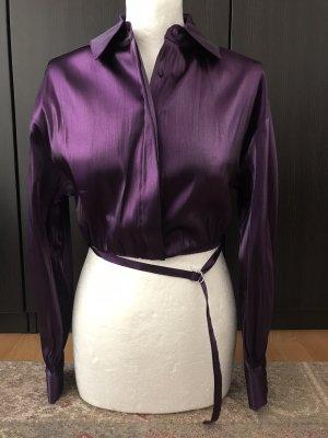 Lila cropped Bluse mit Schnüren
