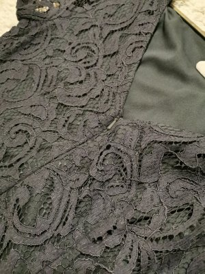 Lila-graues Kleid