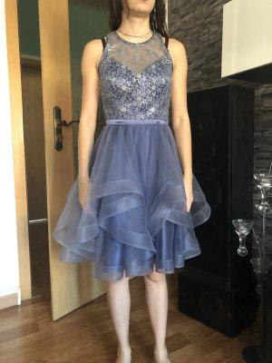 lila Kleid für besondere Anlässe/ Abendkleid