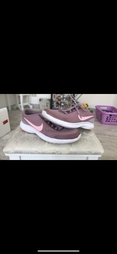 Nike Lace-Up Sneaker mauve-pink