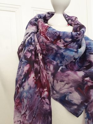 Lila und blau gebatiktes Tuch Vintage