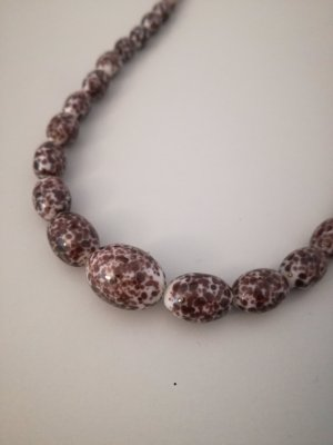 Vintage Naszyjnik z perłami biały-czerwona jeżyna
