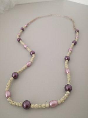 lila-weiße Perlenkette vintage