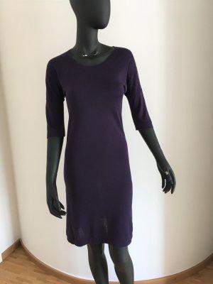 Lilafarbenes Kleid von COS