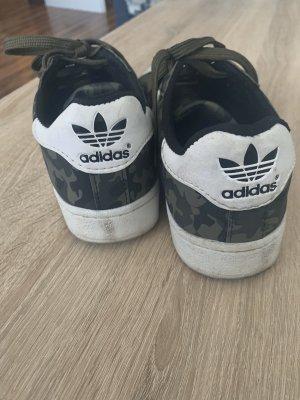 Adidas Originals Chaussure skate kaki