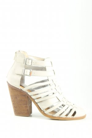 LIMITED EDITION Strapped pumps white casual look