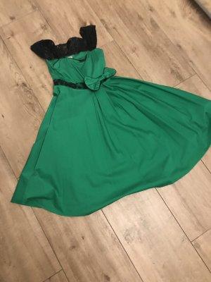 Lindyhopp Kleid / Rockabilly / Rockabella Kleid mit Carmenausschnitt