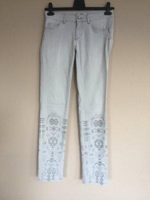 Liu Jo Stretch Jeans Gr.36/38 mit Aztek Muster bestickt Creme