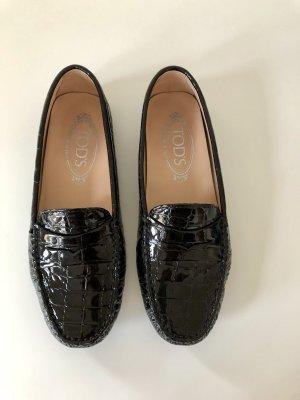 Loafer aus Lackleder mit Krokoprägung