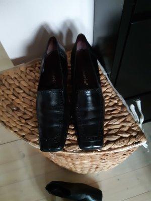 Loafer aus Leder mit Budapester Lochung