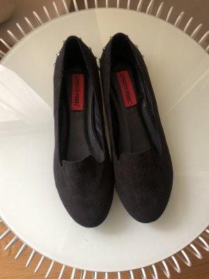 Loafer | Nietendetail | Schwarz