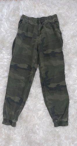 Lockere Camouflage Hose