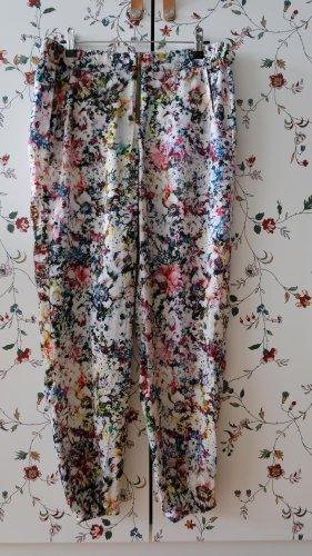 Lockere Hose mit Blumendruck