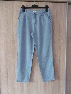 Lockere Jeans-Stoffhose von Zara