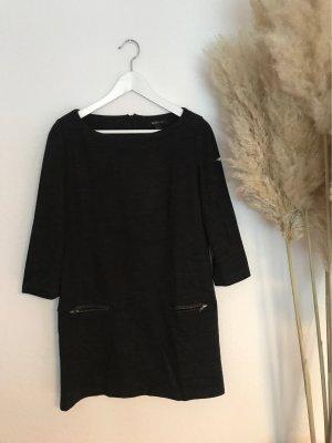 Lockeres Kleid mit Taschen vorne