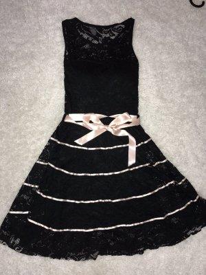 Lockeres Spitzen-Kleid
