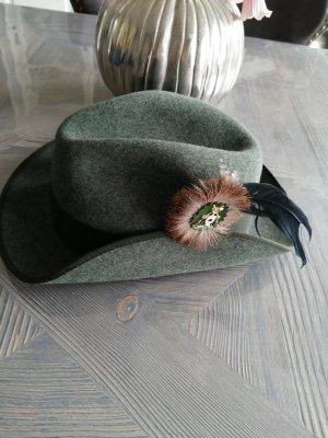 Chapeau en laine vert forêt