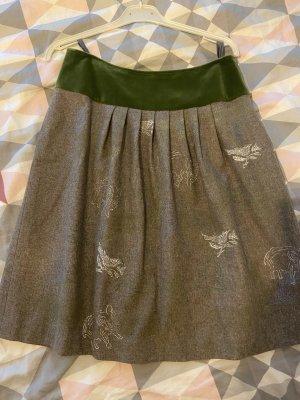 Falda de lino verde hierba-gris claro