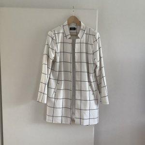 Long-Blazer der Marke ONLY, Farbe weiß, Größe 40