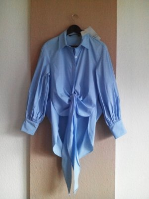 Long-Bluse in himmelblau mit Schnürung, Größe S oversize