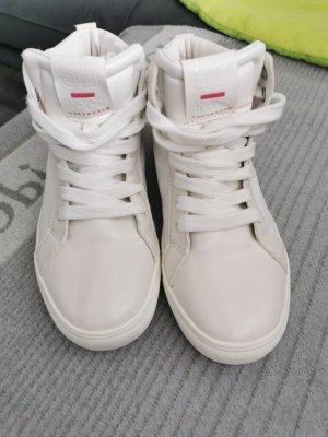 Long Sneakers