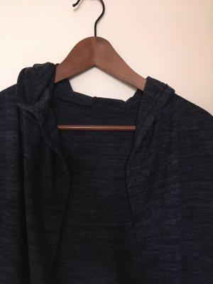 Cappotto a maglia blu scuro