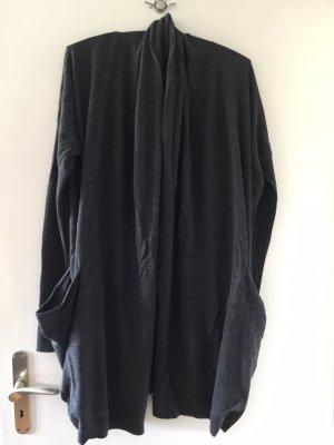 COS Manteau en tricot gris anthracite