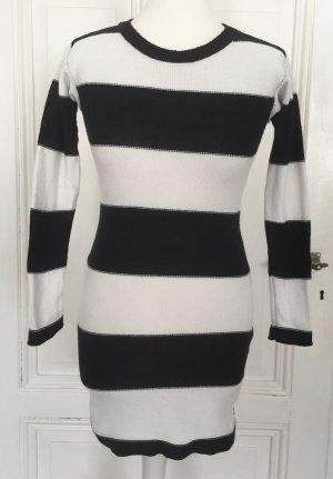 Longpulli / Pullikleid von Zara mit breiten weißen und schwarzen Streifen