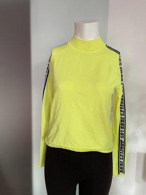 Camisa de cuello de tortuga negro-amarillo
