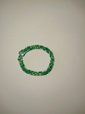 Loomband Armband grün - weiß