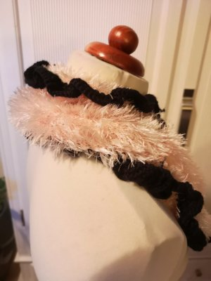 Hand made Snood zwart-lichtroze